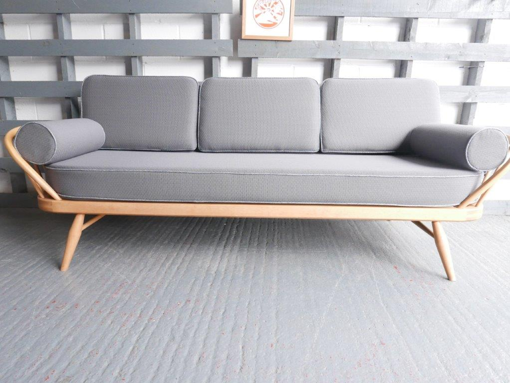 Ercol Studio Couch Grey 92 Wool With Piping In Light Grey