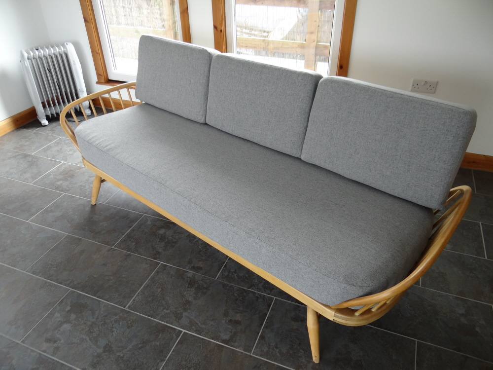 Ercol Studio Couch Light Grey Stitch Complete Set Of Cushions